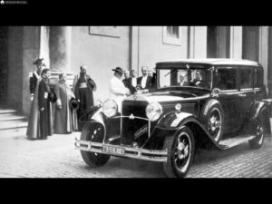 mercedes_1930-Nurburg-460-Papamobil-009_4